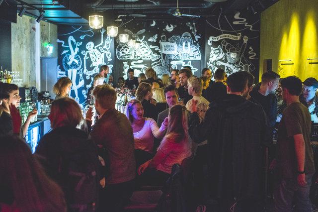 Lokal Bar No 0005 Kopi